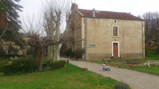 Les Marguerites: Vista exterior de la casa