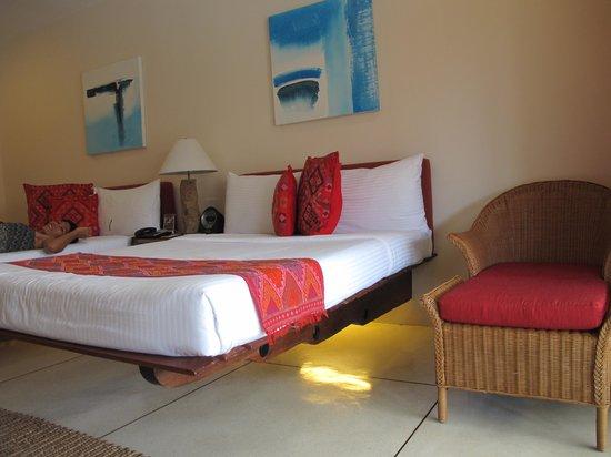 Bluewater Panglao Beach Resort: the hanging bed :)
