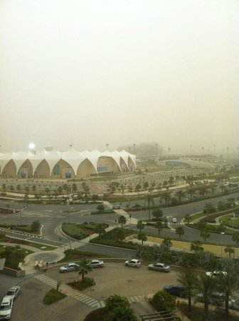 Radisson Blu Hotel, Abu Dhabi Yas Island: Heavy sandstorm in Abu Dhabi. Blocked the view of Yas Marina Circuit. Picture taken from our roo