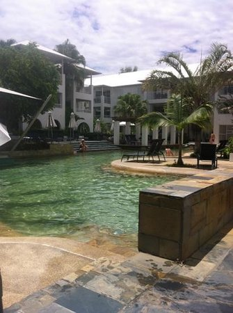 Mantra PortSea: huge pool area