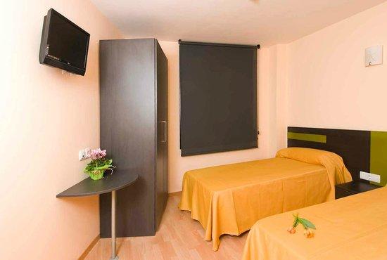 Llagotel : habitaciones individuales, dobles y triples