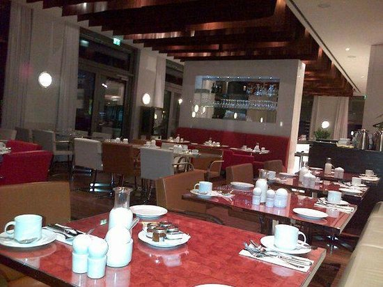 restaurant and breakfast place - Picture of Pestana Berlin ...