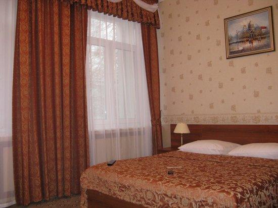 Bagration Hotel: business friendly room - bedroom