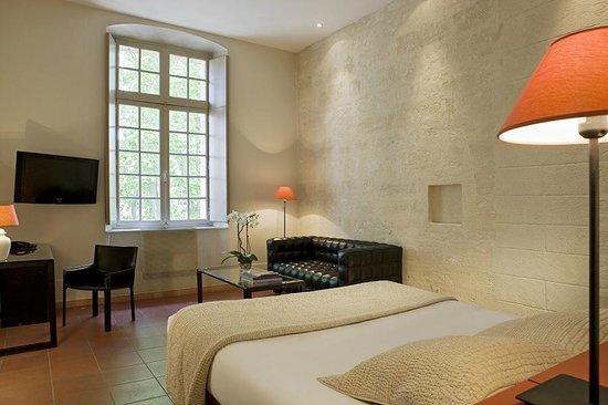 Hôtel Cloitre Saint Louis: Chambre Exclusive