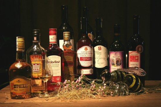 Магазин коллекционного вина и деликатесов Vyno Klubas