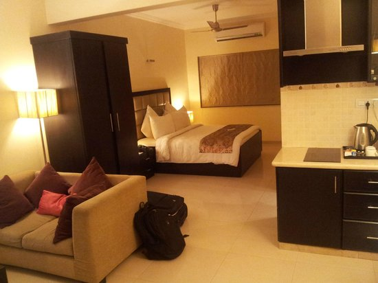 Casa de Bengaluru : compact room, convenient for two