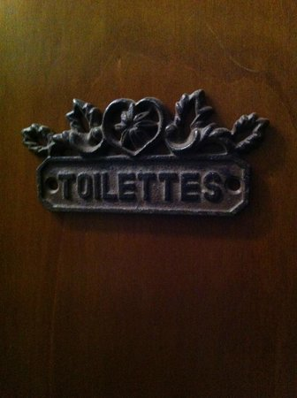 The Black Sheep Bed and Breakfast: Toilet signs