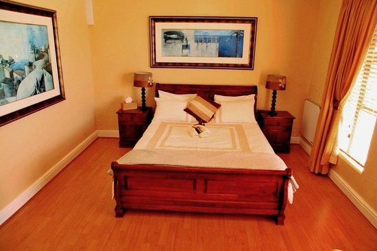 Casa Mia Guesthouse: Executive Family Suite bedroom