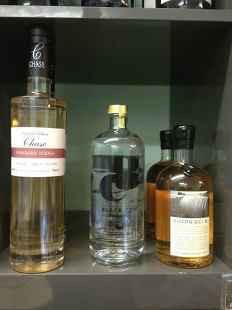 Harbour Deli: Uk grown and produced - the rhubarb vodka is sublime!
