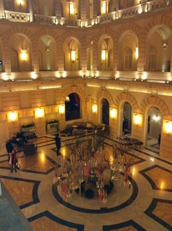 Boscolo Budapest, Autograph Collection: hotel lobby at night