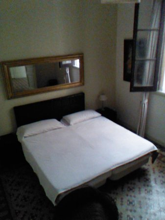 Stay In BCN Suites: room