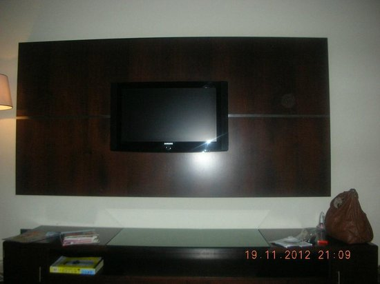 Grand Midwest Tower Hotel Apartments: tv