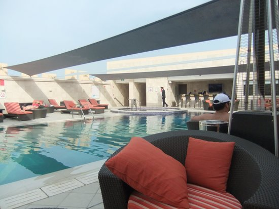 Crowne Plaza Doha - The Business Park: Roof top Pool