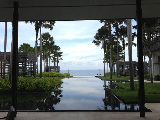 Alila Villas Uluwatu: View from reception area - AMAZING!