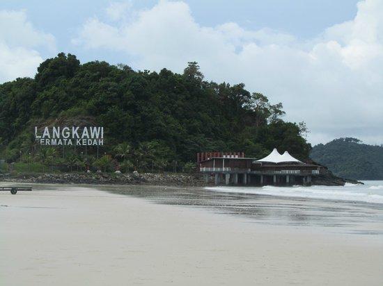 Villa Molek: Langkawi beach - literally a 5 minute walk away