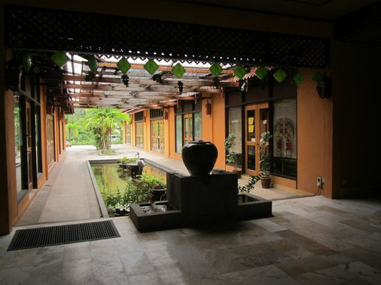 Villa Molek Langkawi: Beautiful open air lobby