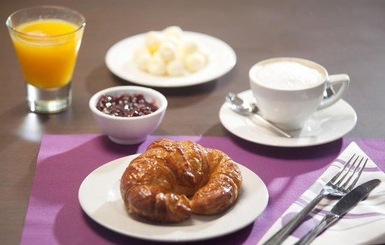 Hotel K10 : Desayuno