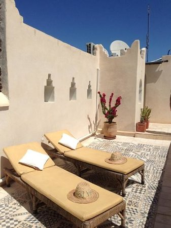 Riad Vert Marrakech: beautiful terrace-uncover area also there.it gets hot!!