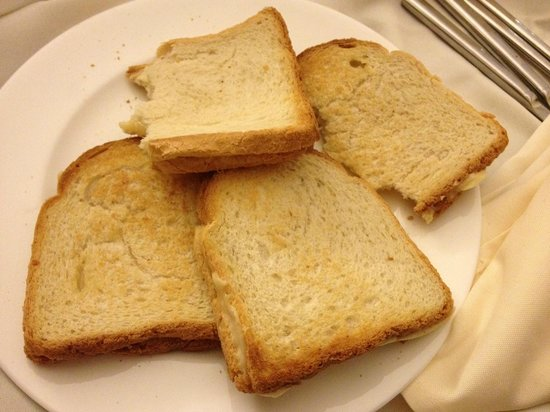 St. George Hotel Jerusalem: The cheese sandwich from room service! Only option after 23hs.