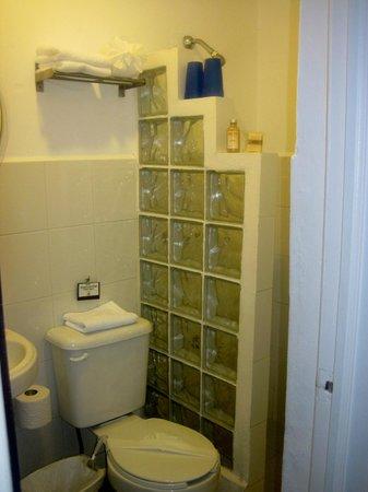Casa el Pio: bathroom