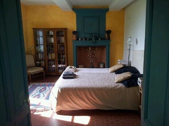 Saint-Pantaleon-les-Vignes, Francia: Chambre jaune