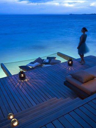 Shangri-La's Villingili Resort and Spa Maldives: Water villa at night