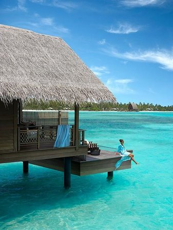 Shangri-La's Villingili Resort and Spa Maldives: Water villa with model