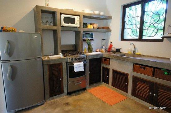 Casa Frangipani: Kitchen