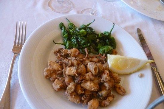 Meson Can Paco : Pimientos de Padron mit Calamares