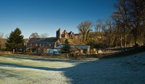 Holmhead Guest House: Holmhead and Thirlwall Castle