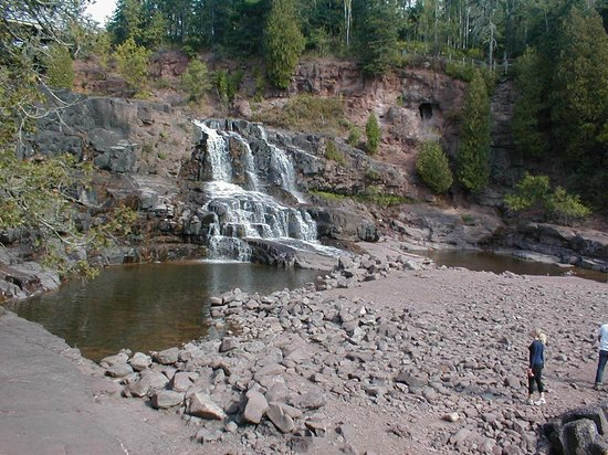 Gooseberry Falls State Park: Low water levels made interesting hiking,