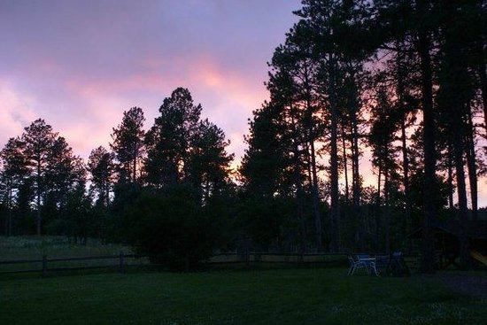 BackRoads Inn & Cabins: Beautiful sunset