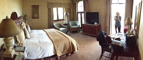 Vintners Inn: Well appointed room