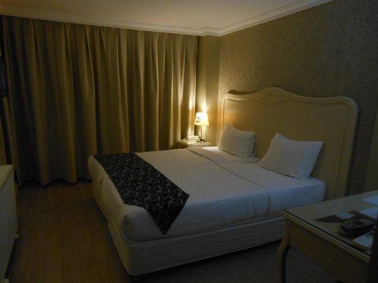 Raymond Blue Hotel: Stanza doppia