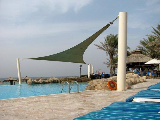 Coral Beach Resort Sharjah: Бассейн
