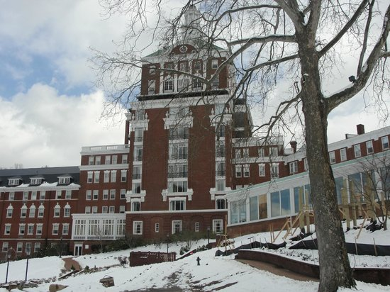 The Omni Homestead Resort: View driving to main buildling