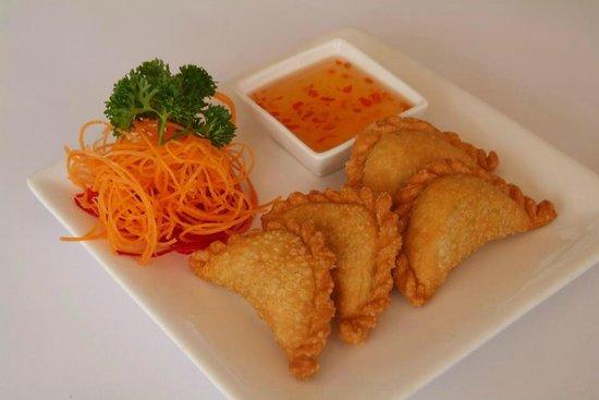 Thai Mangoes Restaurant: Thai Mangoes Curry Puffs