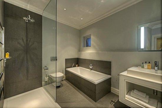 The Three Boutique Hotel : Bathroom