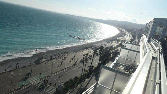 Le Meridien Nice: View from the Terrace/Bar & Pool area - Le Meridien, Nice