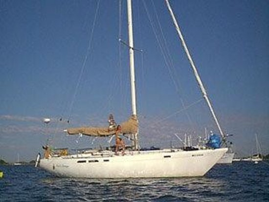 Poet's Lounge Sailing Charter -  Day Tours: Poet's Lounge Sailing Charter / Anchor off many Islands and beaches.