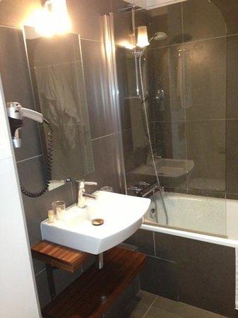 Hôtel le 20 Prieuré : salle de bain