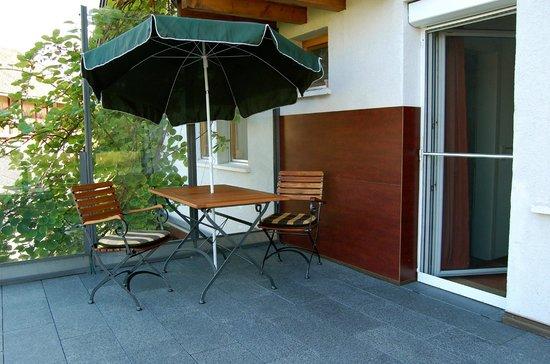 Privatzimmer und Ferienwohnungen Felizeter Brigitte: Top2_Balkon