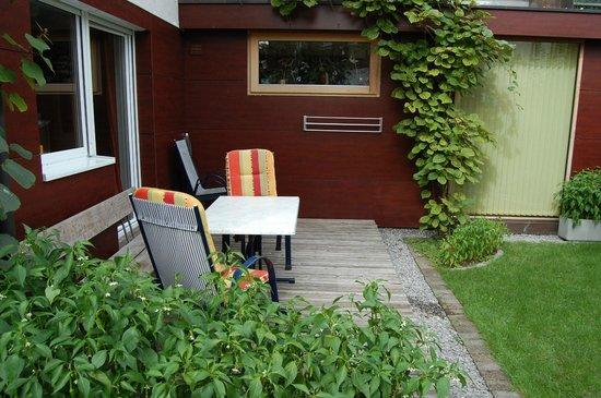 Privatzimmer und Ferienwohnungen Felizeter Brigitte: Top3_Balkon