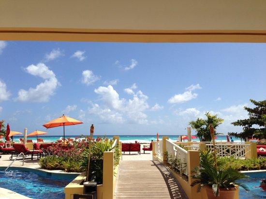 Ocean Two Resort & Residences: Lobby view