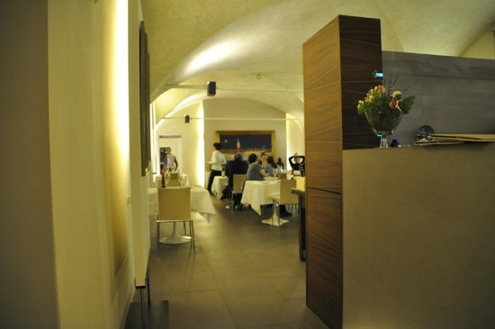 Eat Out - Osteria Gourmet: Entrata Bar Ristorante