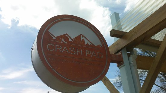 The Crash Pad: An Uncommon Hostel: Logo