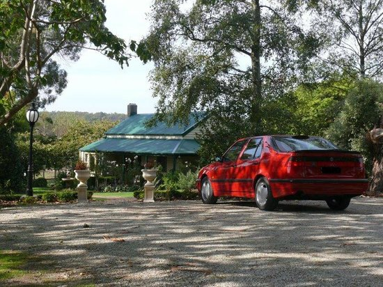Springbank Bed & Breakfast : Springbank from guest parking area on arrival