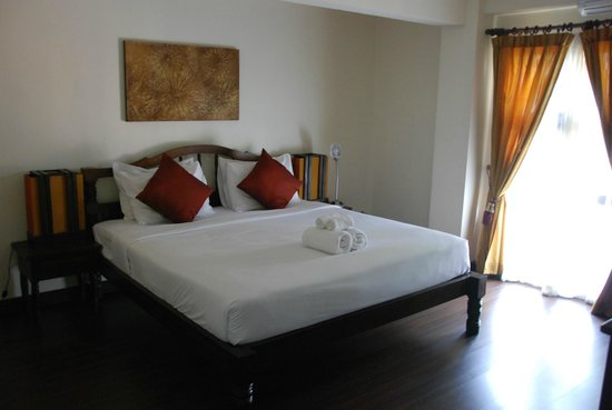 Anoma Boutique House: The nice big double bed