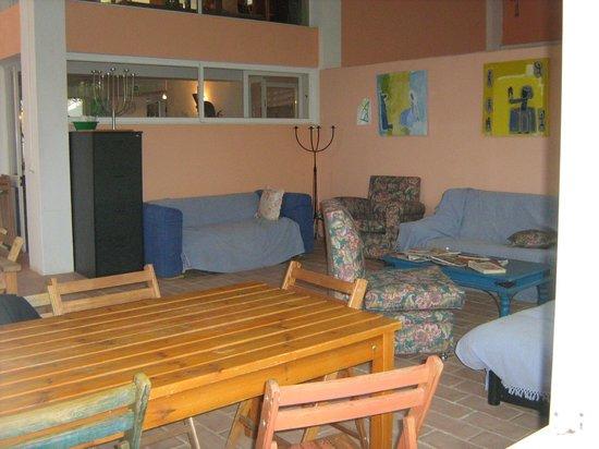 Monte Mariposa: dinning/sitting area