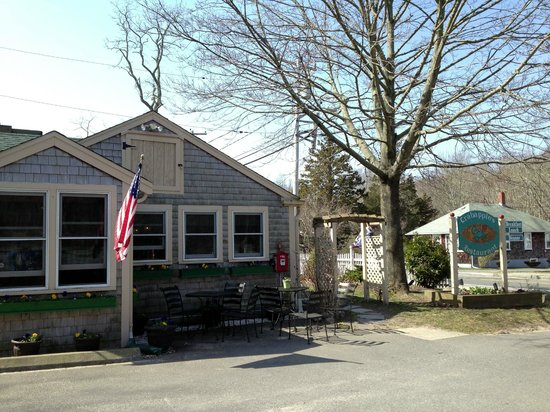 Crabapple's: Quaint